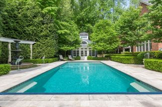 7805 Montvale pool